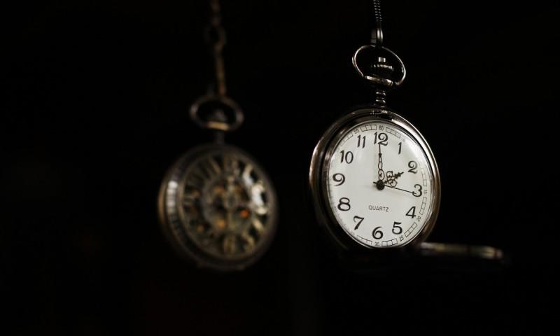 timepiece-460232_1280