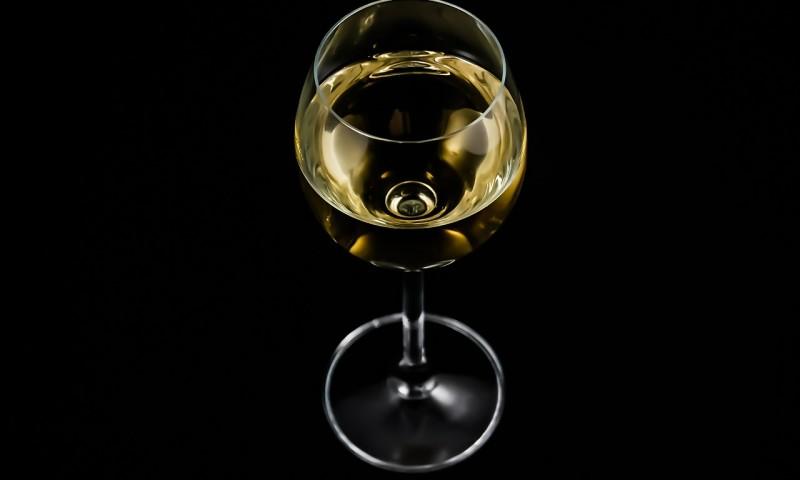 a-glass-of-428316_1280.jpg